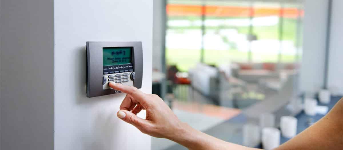 comparatif alarme maison que choisir top dcouvrez notre comparatif des alarmes connectes somfy. Black Bedroom Furniture Sets. Home Design Ideas