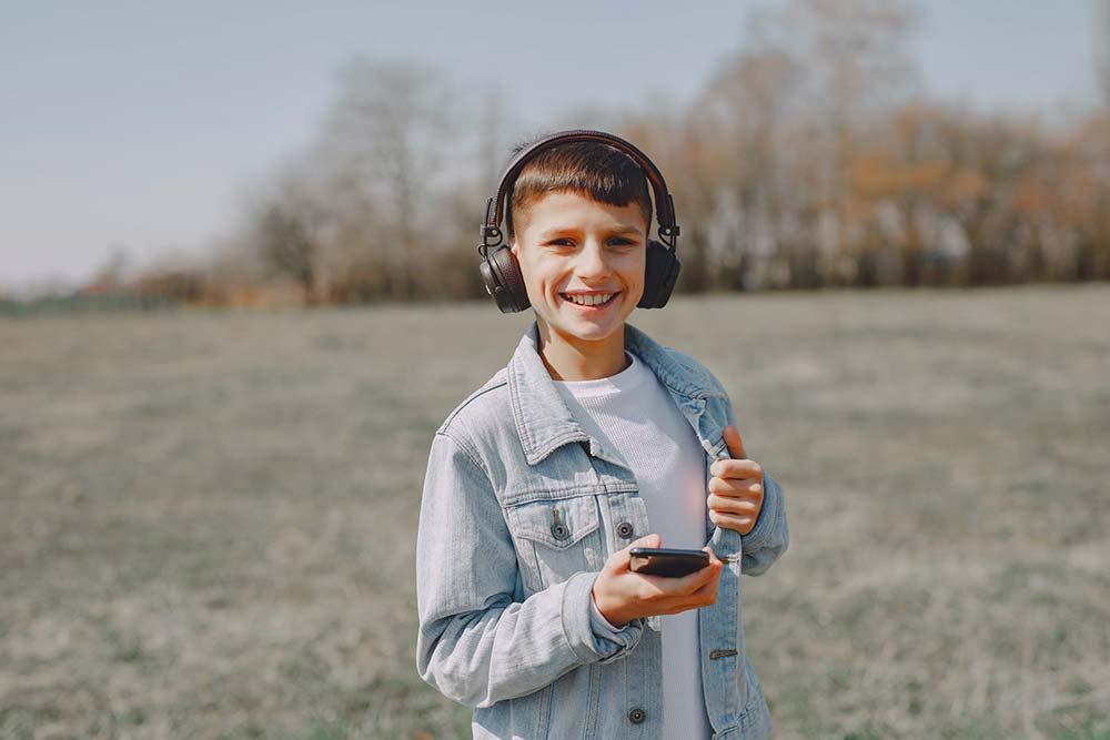 Devez vous espionner le smartphone de votre enfant ?