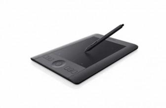 Wacom Intuos Pro Pen & Touch : contrôler vos créations du bout des doigts
